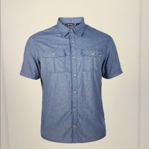 Berghaus M short sleeve button down pockets